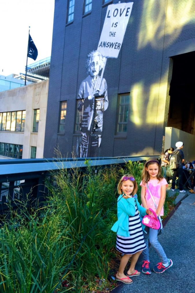 Family walk on the Highline in Manhattan