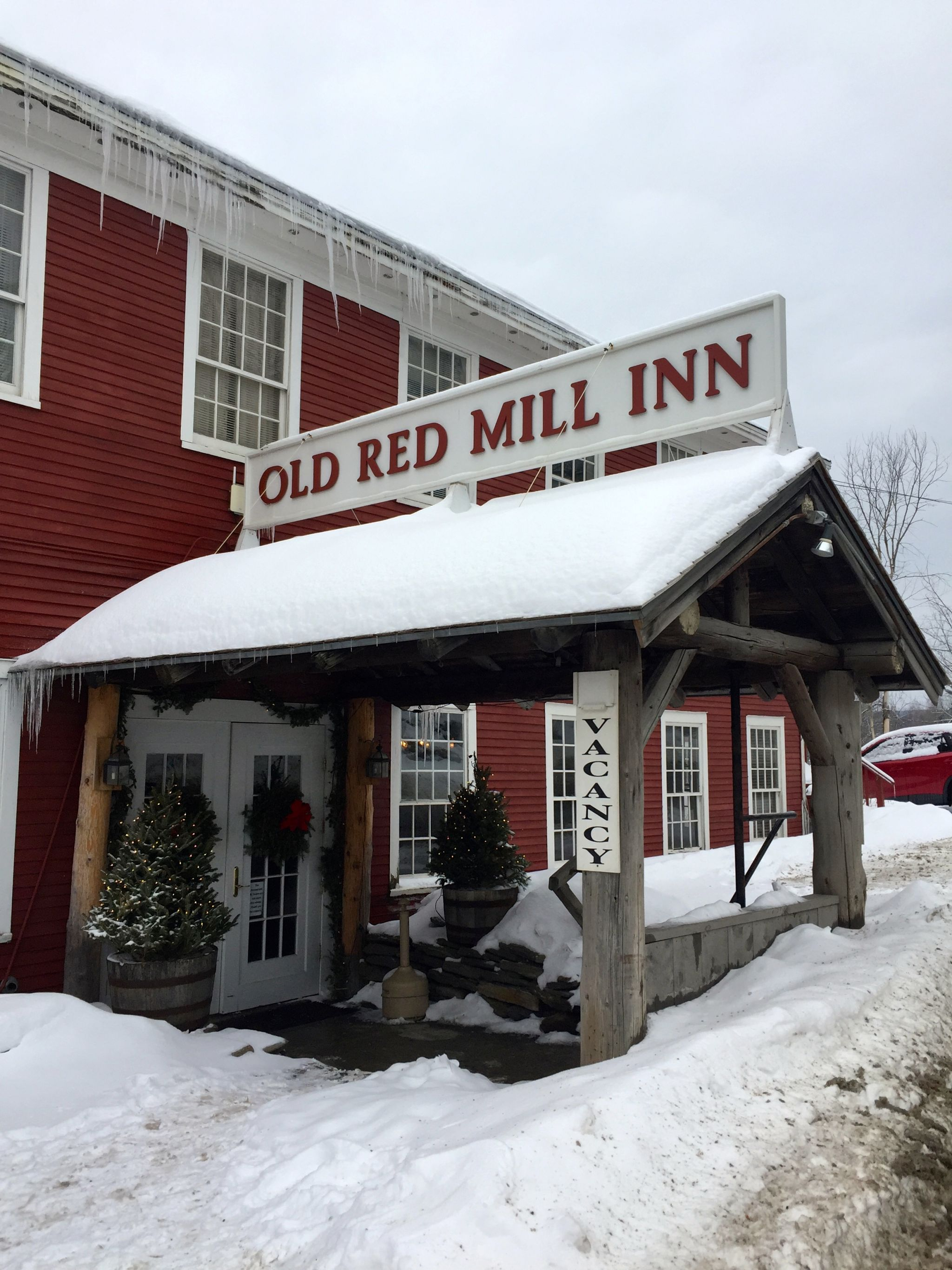 Quaint inn covered in snow in Wilmington Vermont