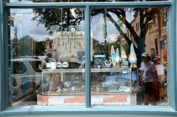 garden-district-storefront-new-orleans-