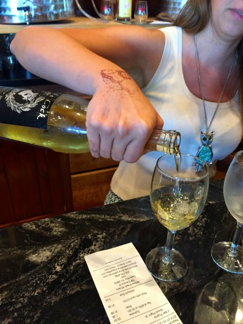 wine-pour-willow-creek-winery-cape-may