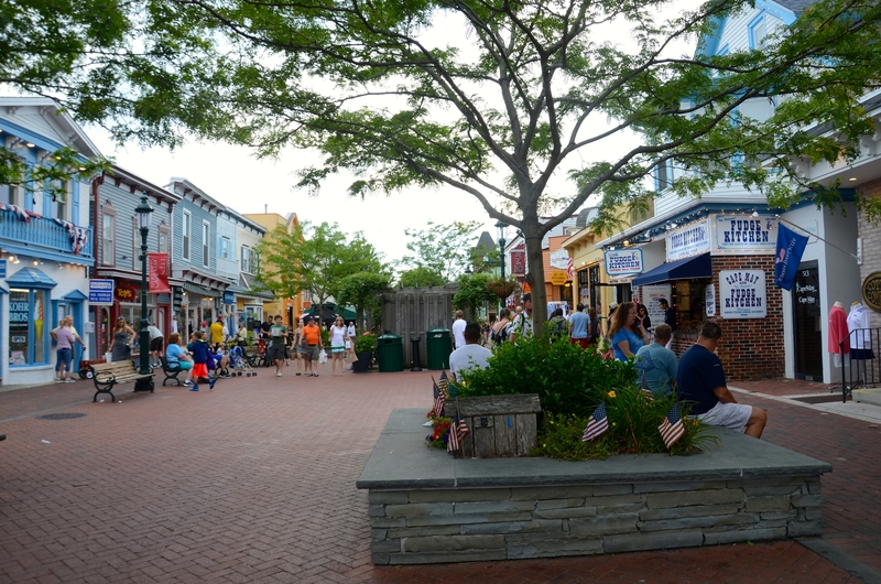 Walking along the Washington Street Mall in Cape May, New Jersey is always fun and filled with many good shops and restaurants.