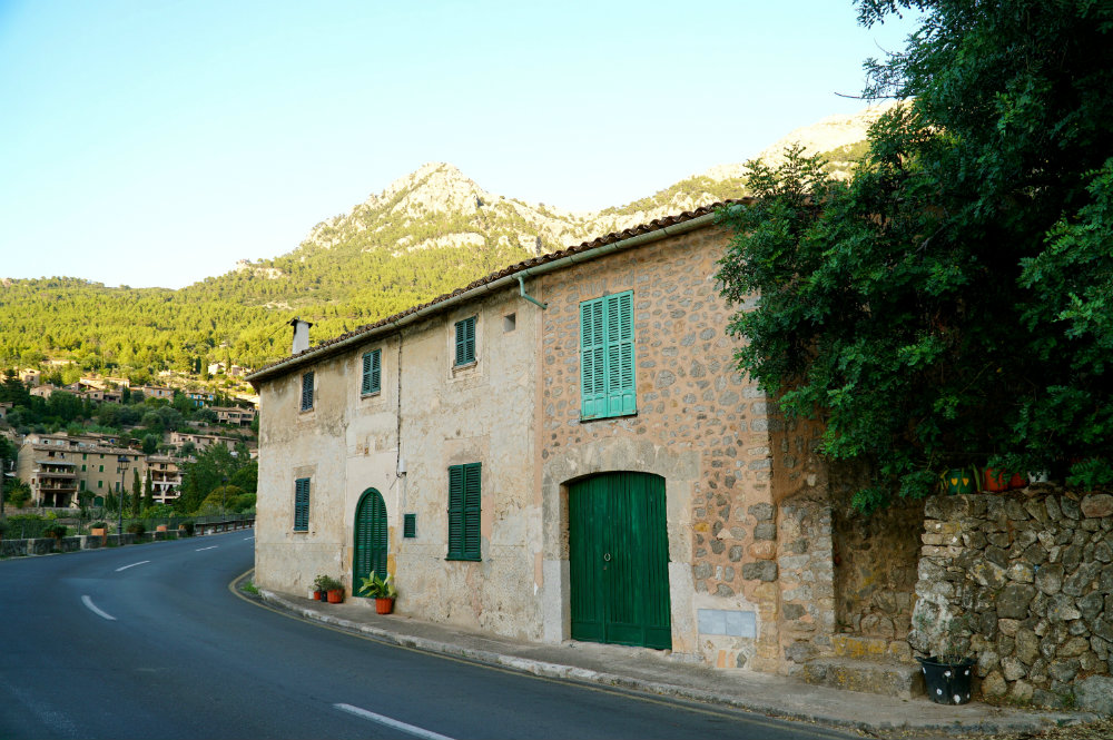 5 Reasons to Stay in Western Mallorca: Walking around the mountain towns.