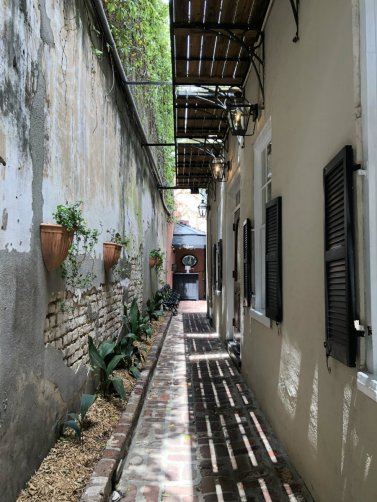 Charleston alley | Charleston getaway