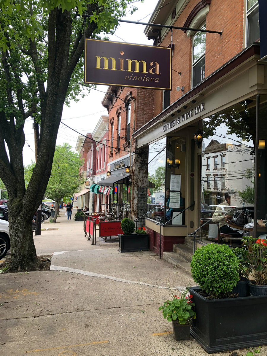 Dining at the many good restaurants in Irvington, NY in Westchester County including the Red Barn Bakery and Mima Vinoteca
