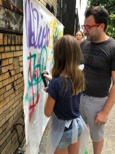 Brooklyn-Unplugged-making-graffiti