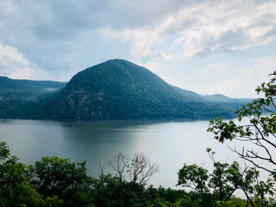 Hiking in Cold Spring, the Breakneck Ridge trail