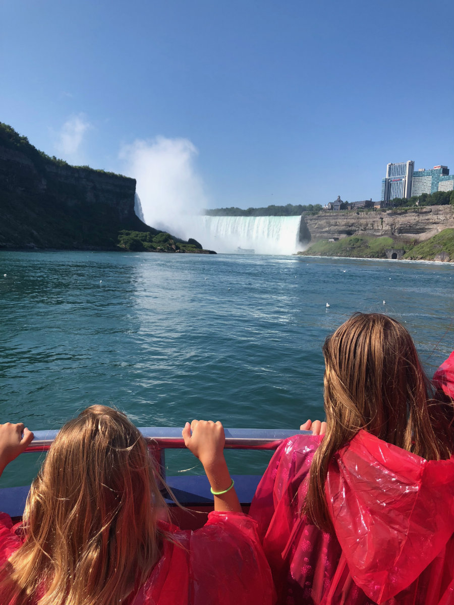 Approaching Horseshoe Falls on the Hornblower Cruise