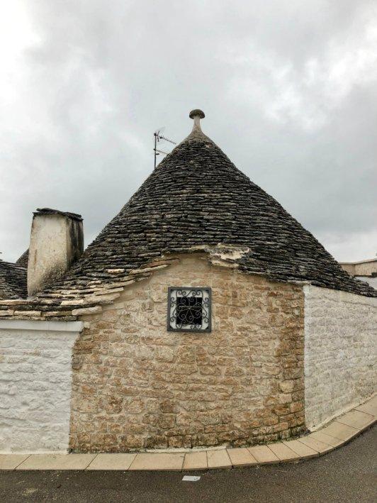 Cute trullo in Alberobello Puglia