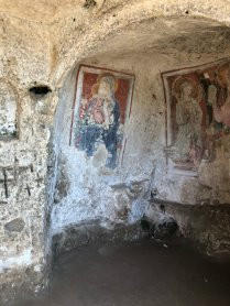Things to do in Matera, look at the caves and frescoes in Murgia National Park