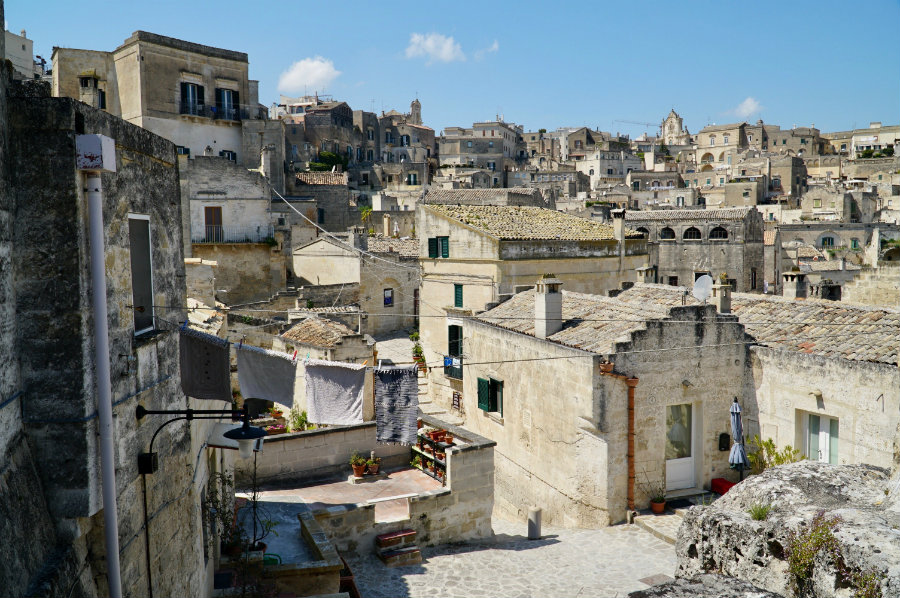 matera-laundry-drying