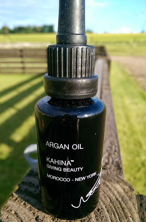Kahina Giving Beauty Fifi Friendly