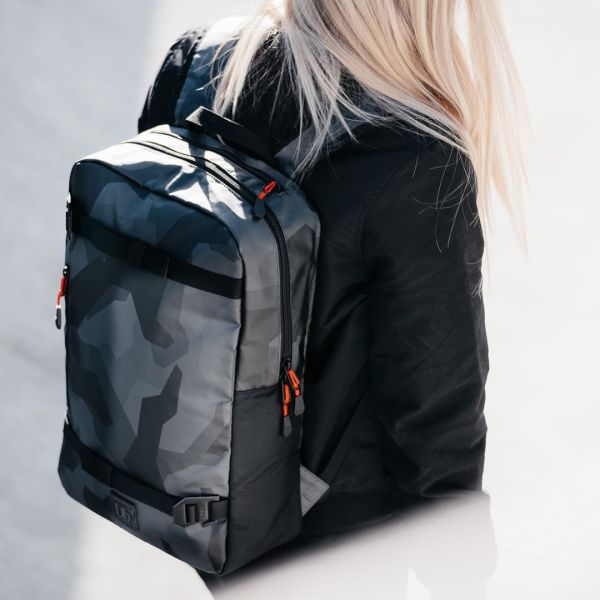 Douchebags – A smart travel companion
