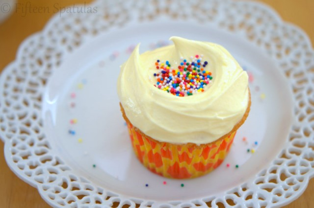 Light Fluffy Vanilla Cake Recipes Scratch: Fluffy White Cupcakes With French Almond Buttercream