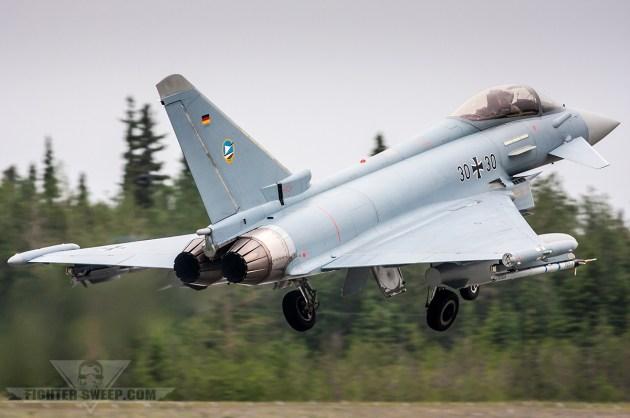 Su-35 versus Typhoon: Who Wins?