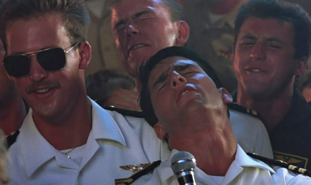 top-gun-sailor-singing