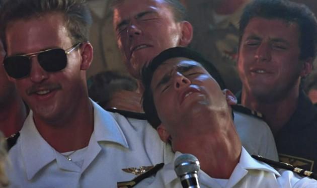 top-gun-sailor-singing