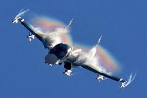 Sukhoi_Su-34_flight_display_at_2015_MAKS