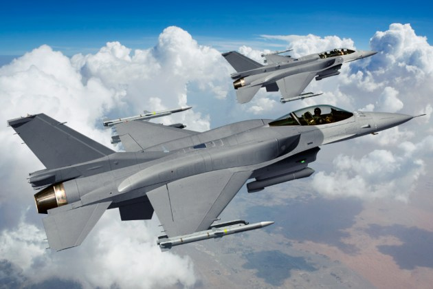 Dogfight! F-16V Viper versus J-39E Gripen: Who Wins? | Fighter Sweep
