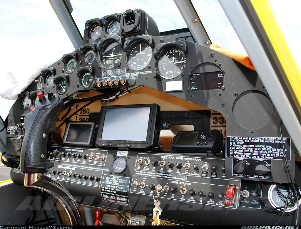 at402_cockpit
