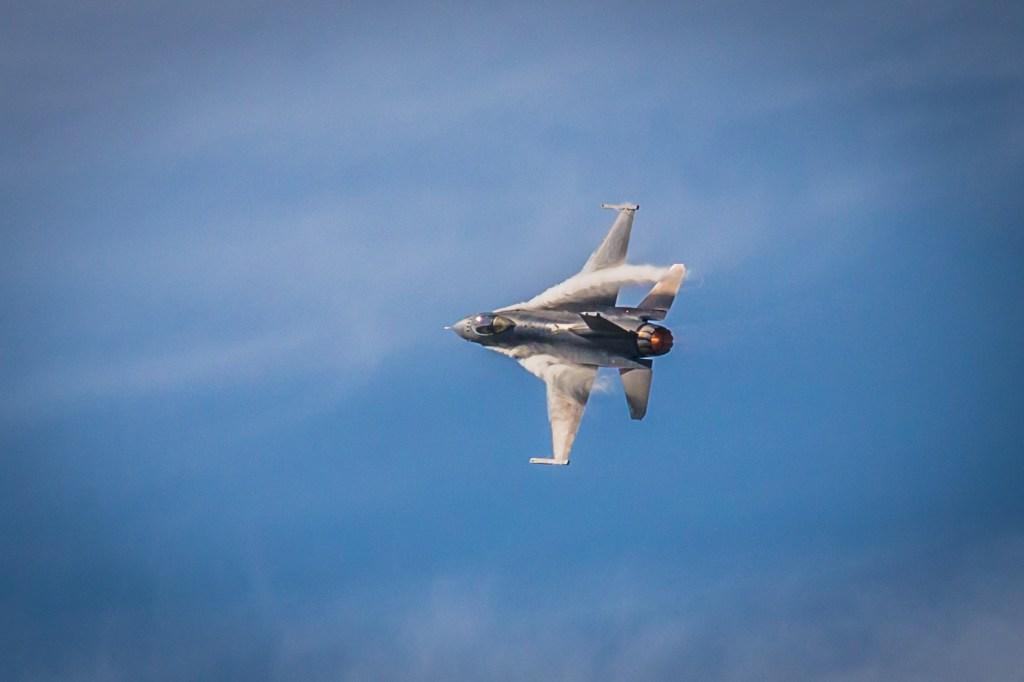A high G turn in the Viper. Courtesy USAF