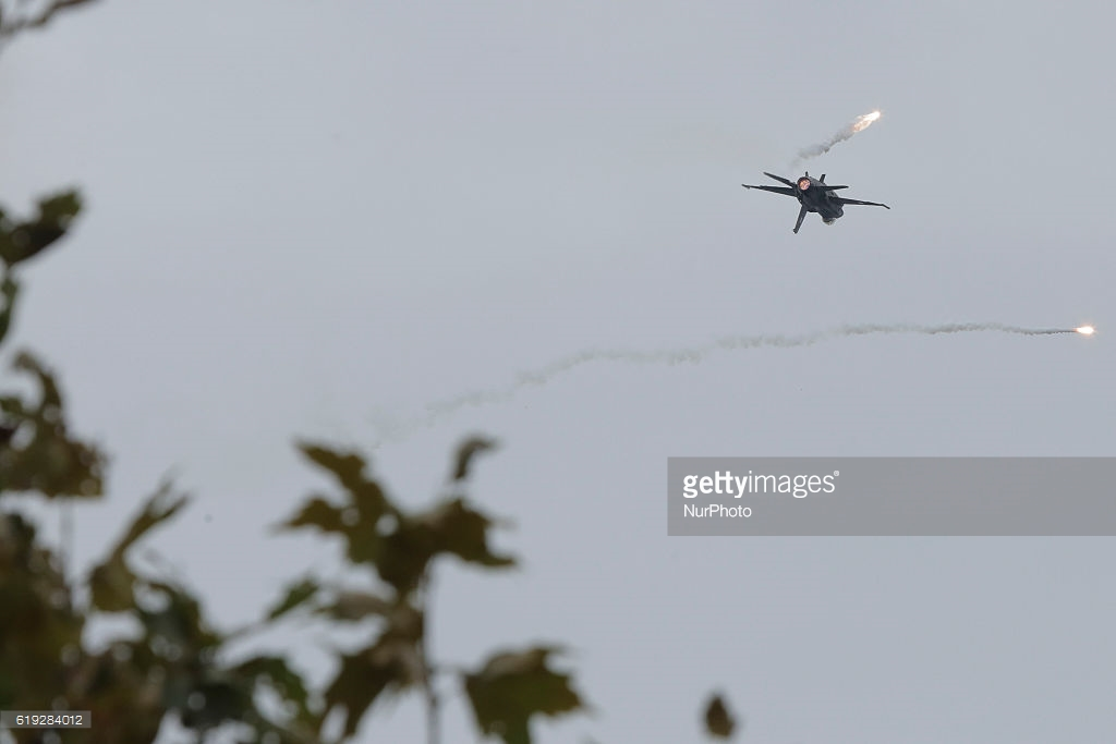 A Viper low and inverted, common occurrence. Losing SA here can be deadly. Courtesy Getty Images