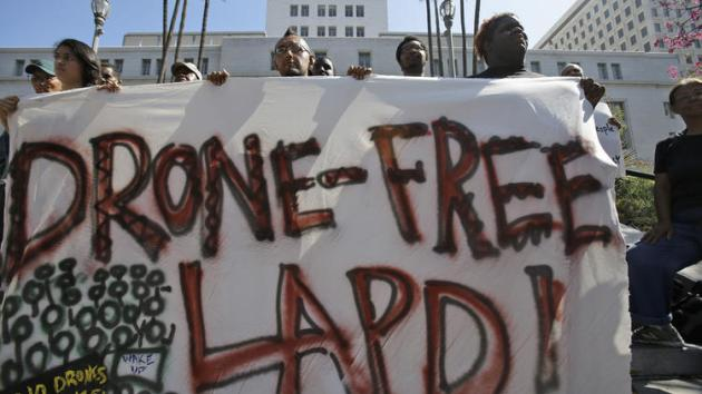 la-me-ln-anti-drone-campaign-lapd-city-hall-20-001