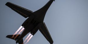 B-1B_Lancer_takes_off_from_Al_Udeid_Air_Base,_Qatar