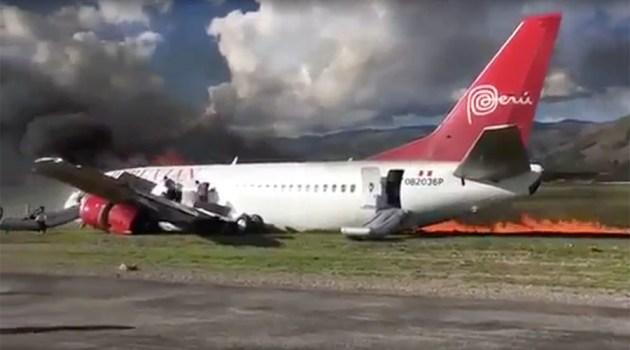 Peruvian Airlines Boeing 737 Skids Off Runway