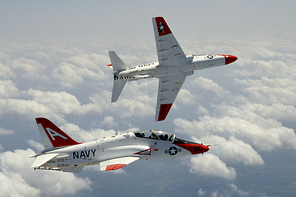 T-45_Goshawks_break