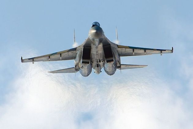 Sukhoi_Su-35S_at_MAKS-2011_airshow