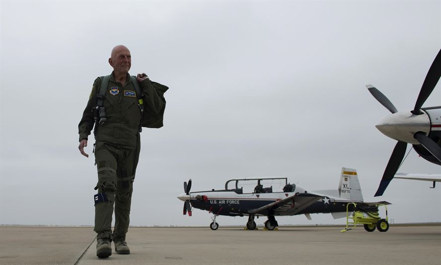 last wwii combat mission Jerry Yellin, author and retired U.S. Army Air Corps Captain