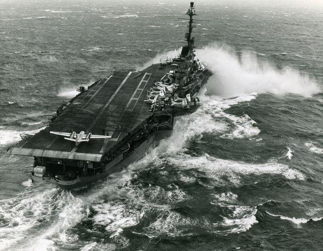 U.S. Navy aircraft carrier USS Essex (CVA-9)