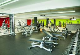 mirkos-gym-offenburg-fitness-center-krafttraining-cardio-sport-2