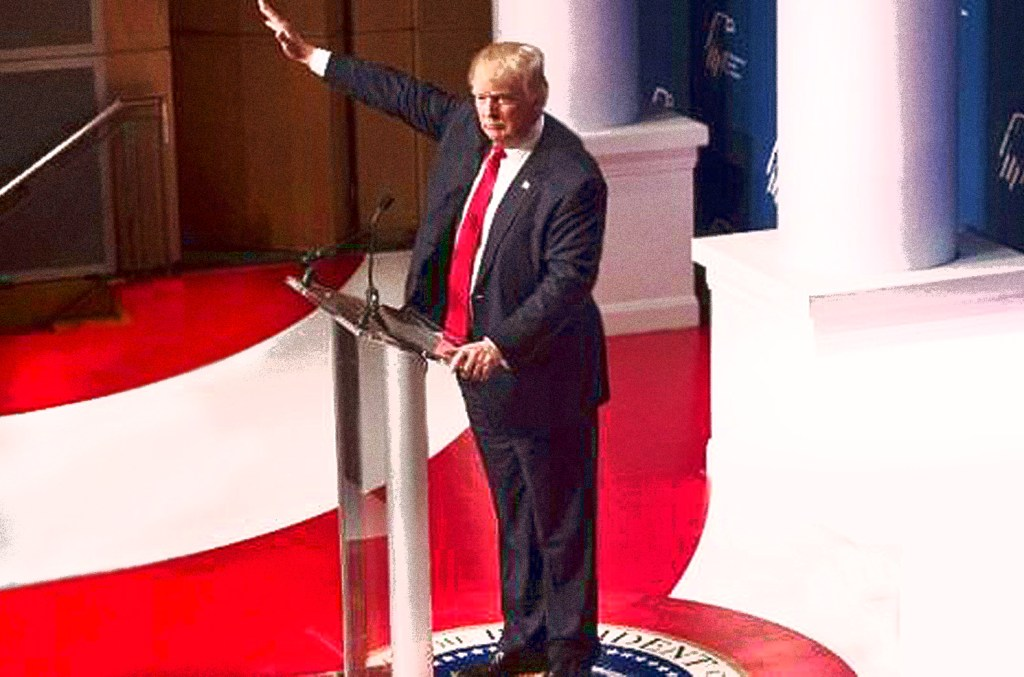 Trump giving fascist-style salute