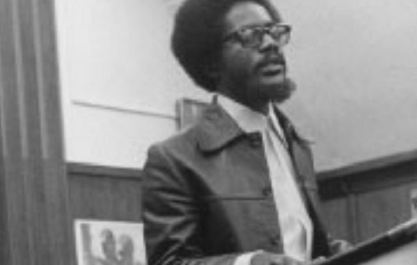 Walter Rodney delivers lecture