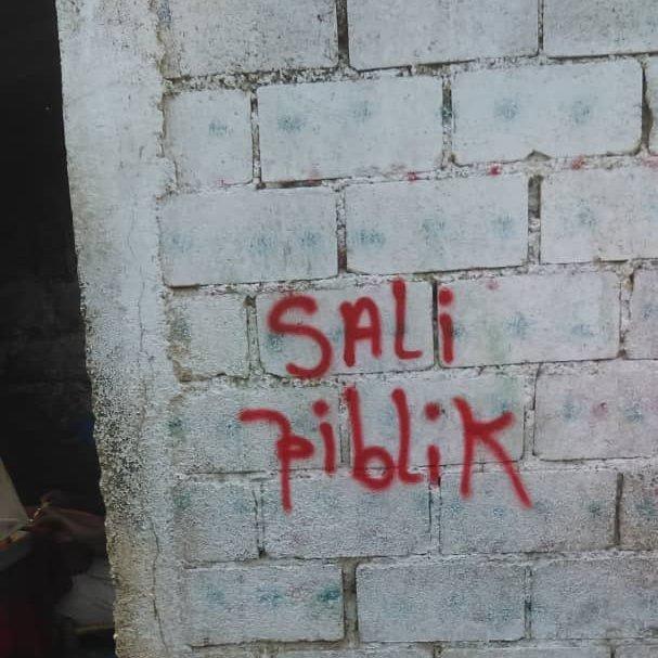 Sali Piblic (Kreyol for public safety)