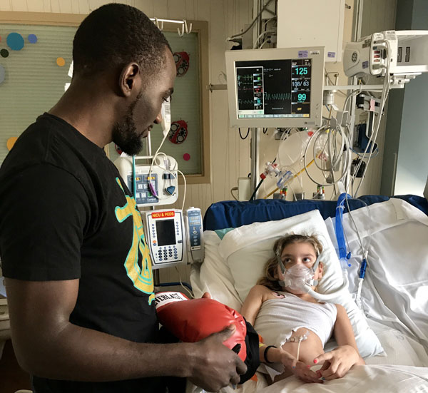 Boxing News: Crawford Visits Nebraska Med Center » May 18