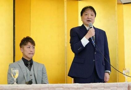Inoue-aiming-at-his-third-belt08