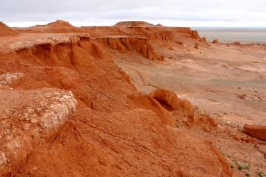 Flaming cliffs - Bayanzag, Mongolia