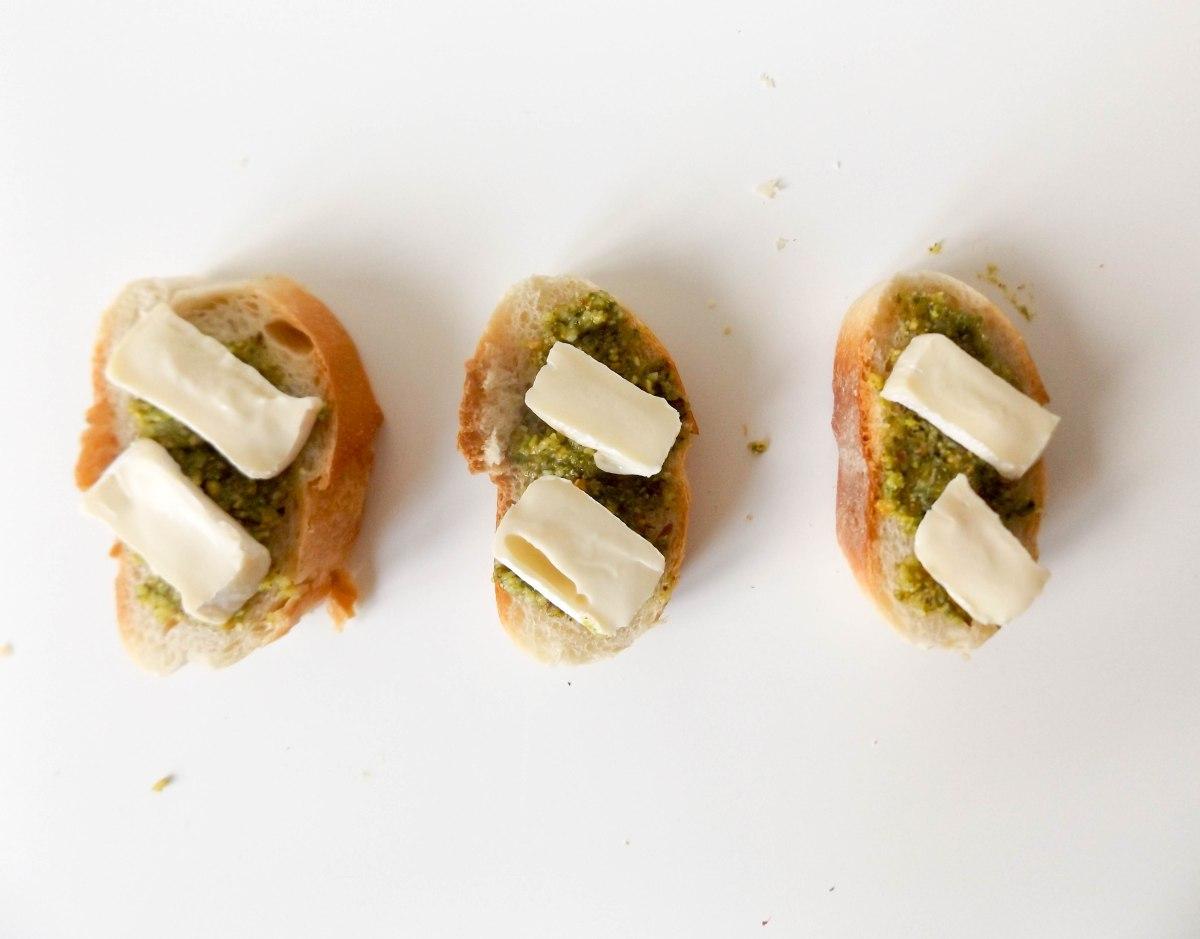 strawberry pistachio pesto crostini (1 of 1)-7
