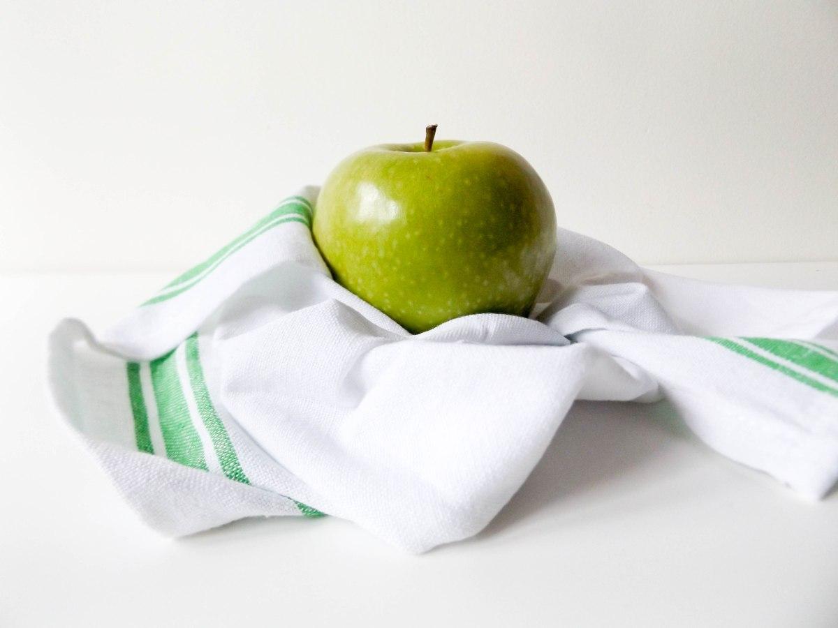Apples (1 of 1).jpg