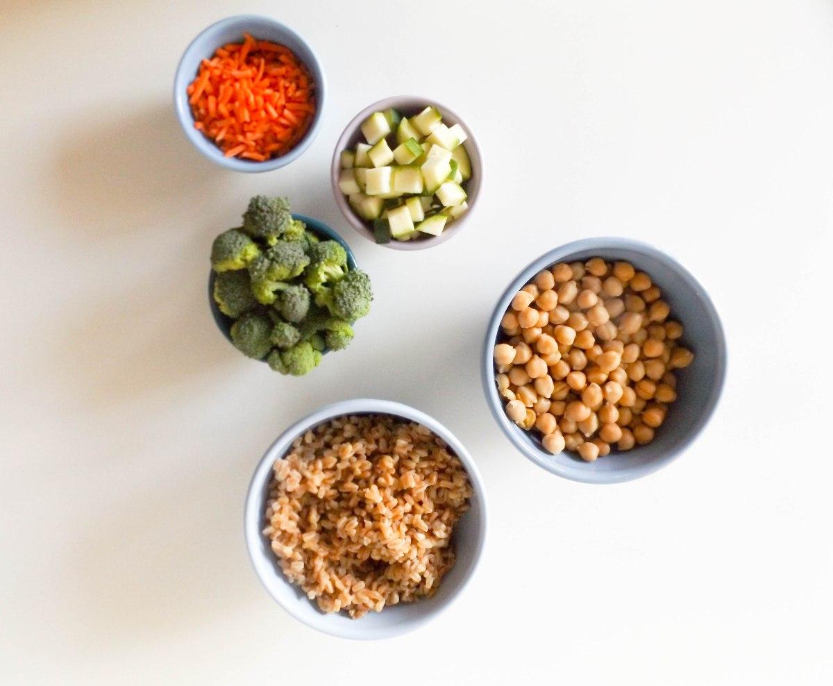 broccoli-zucchini-chickpea-farro-risotto-1-of-1-10