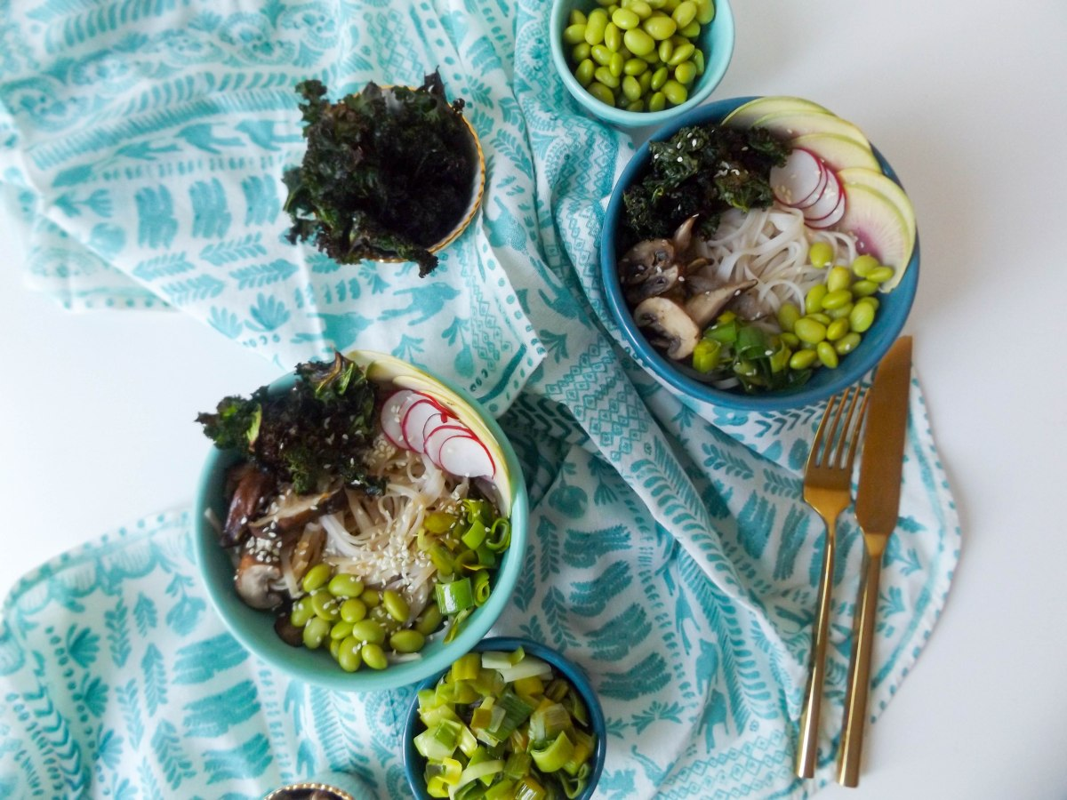 peanut rice noodle veggie bowls-2