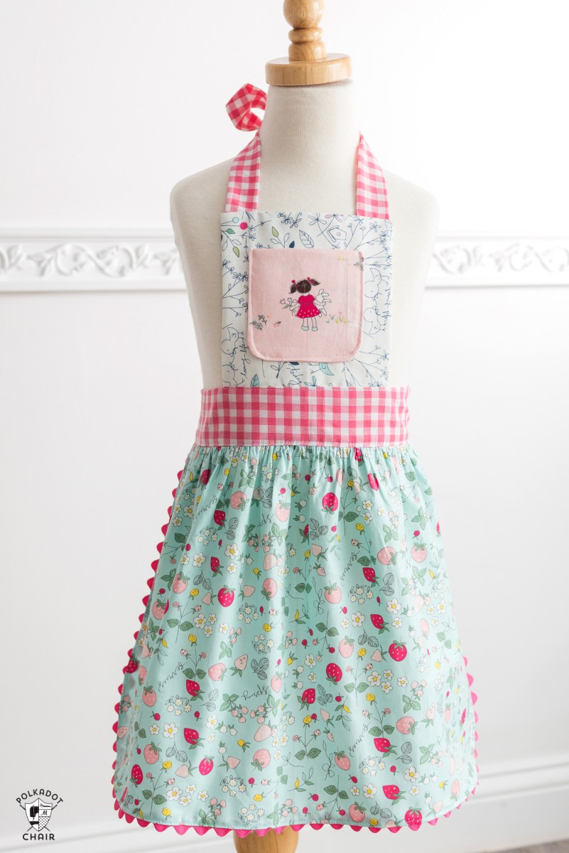 Apron Sewing Pattern How To Sew Childrens Aprons A Free Childs Apron Pattern