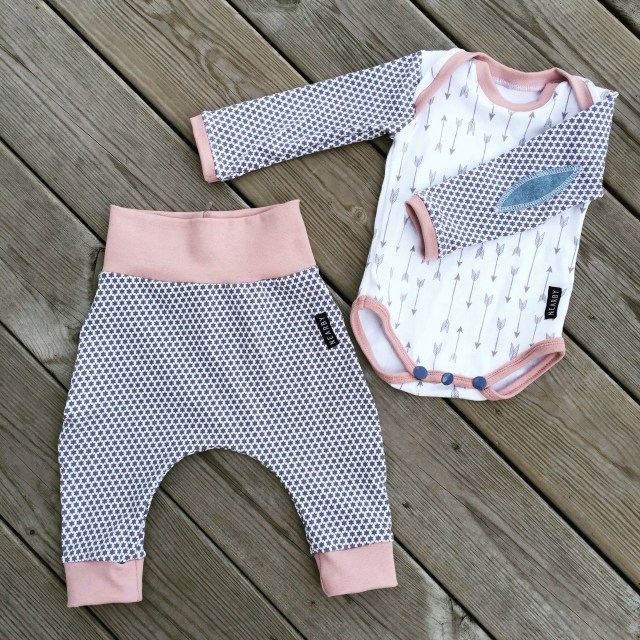 Sewing Patterns For Babies Love This Free Pattern This Ba Onepiece Is So Fun To Sew You