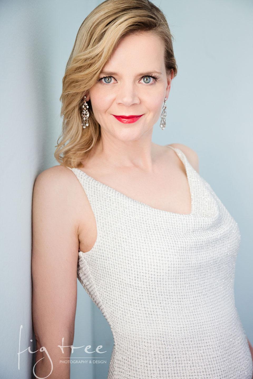 Pia in white dress