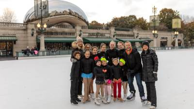 2018-millenium-park-ice-rink-jon-hansen
