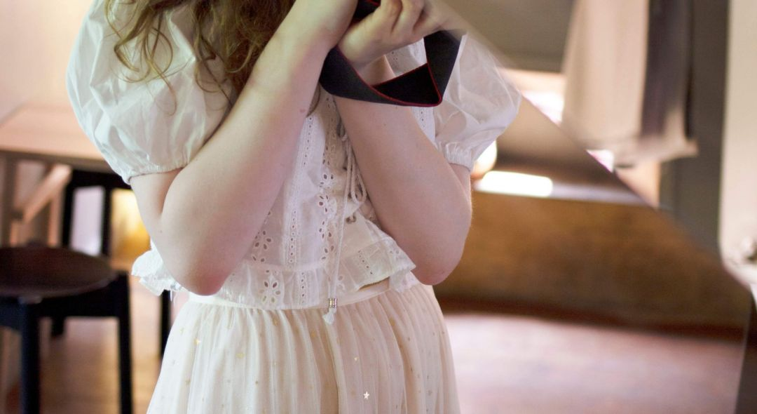 fii styling a white peasant / milkmaid style blouse with broderie anglaise detail