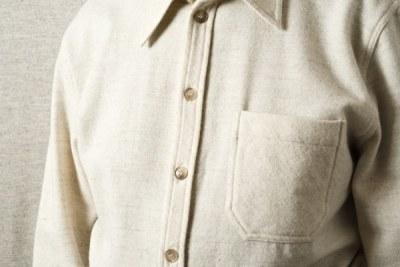 chemise pure laine mérinos blanche filature de chantemerle longo mai détail boutons et col