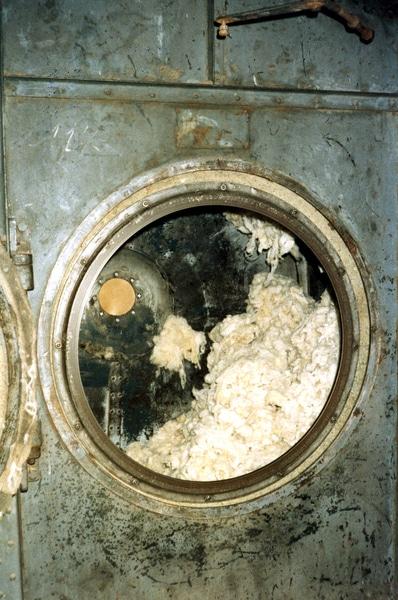 trempage de la laine brute pour lavage
